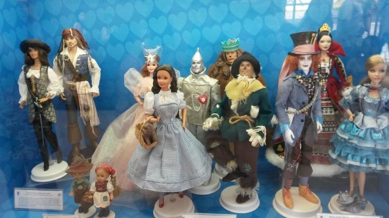 Piratas do Caribe, O magico de Oz e Alice no País das Maravilhas.