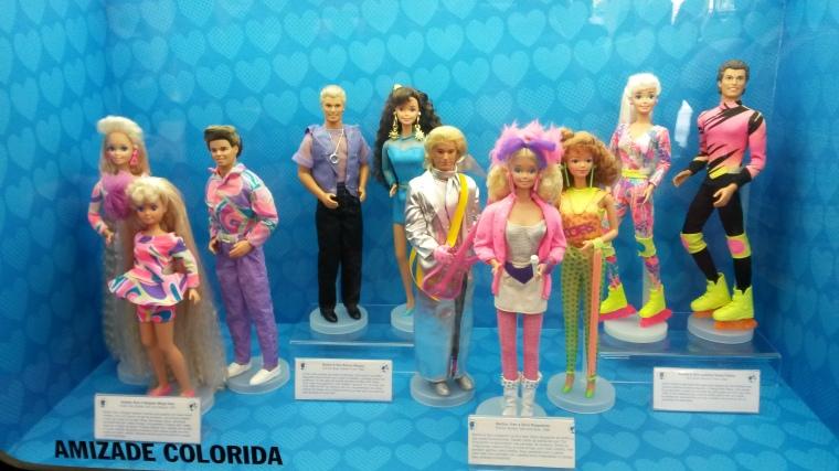 Mega Hair, Ken de brinco( o mais vendido da história), a banda de rock e o casal de roller